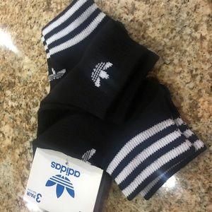 Adidas new black socks fits size 5-9 women 3 pair